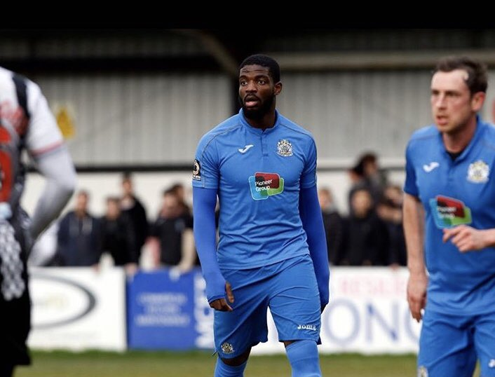 City are set to sign Stockport County defender Festus Arthur. The 20 year olds agent was at the training ground in Cottingham today to sort the details and complete the deal. One for the future. #hcafc pic.twitter.com/8WSqsI2pTd  by Hull City News