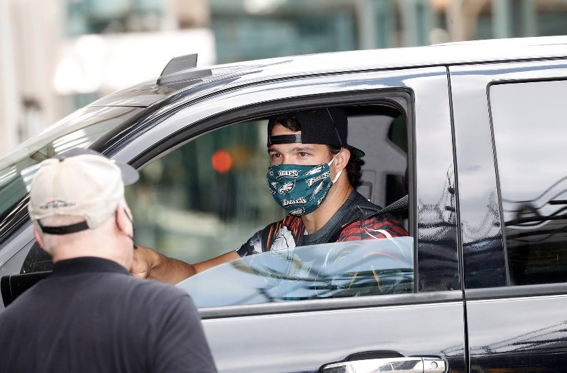 Tommy Kahnle arriving at Yankee Stadium today sporting a Phil. Eagles face mask <br>http://pic.twitter.com/AgMDy18oYd