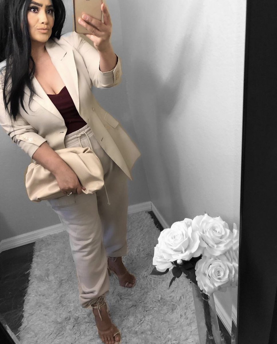 #shop #ootd #outfit #blazer #heels #sotd #laceupheels #motd #makeup #mylook #outfitidea #outfitpost #outfitoftheday #chic #trend #trendy #fashion #fashionista #fashionblogger #fashionblog #blog #blogger #blogging #Blazers #style #styleblogger #stylish #beauty #beautybloggerpic.twitter.com/fQz4Vj9HWZ