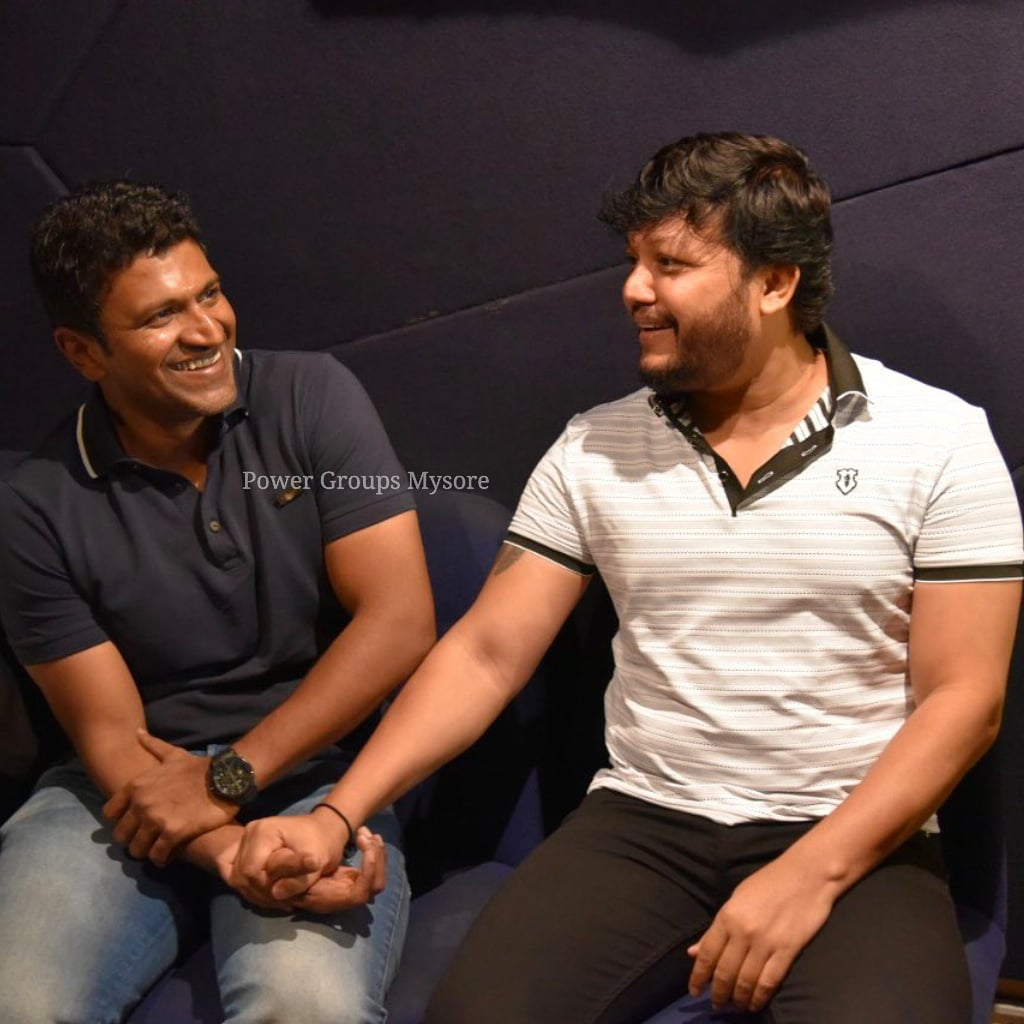 Wishing A Very Happy Birthday To @goldenstar_ganesh sir 🎂💗 Have A Great Year Ahead 🤗 Best Wishes From @PuneethRajkumar Sir Fans 💖  #GoldenStarGanesh #Ganesh #Appu #PowerStar #PuneethRajkumar #PowerGroupsMysore