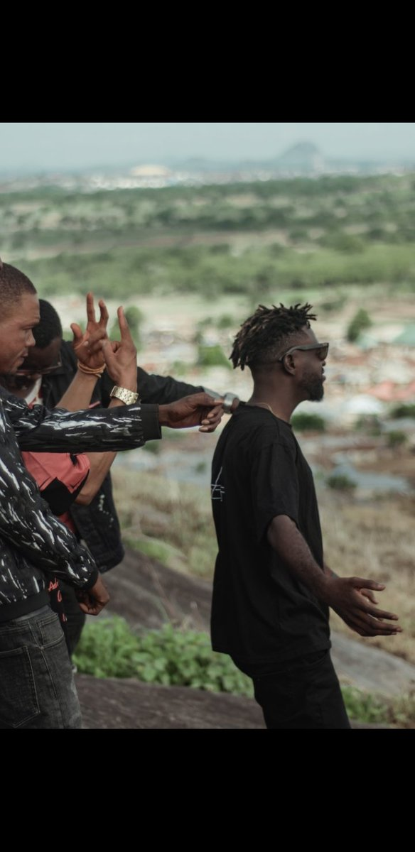 My gratitude to God for a successful videoshoot. First visuals off my debut project #Epiphany. Pleased we injecting a new energy into the African and world creative space. Cheers...pic.twitter.com/s5bwMRw1Ft