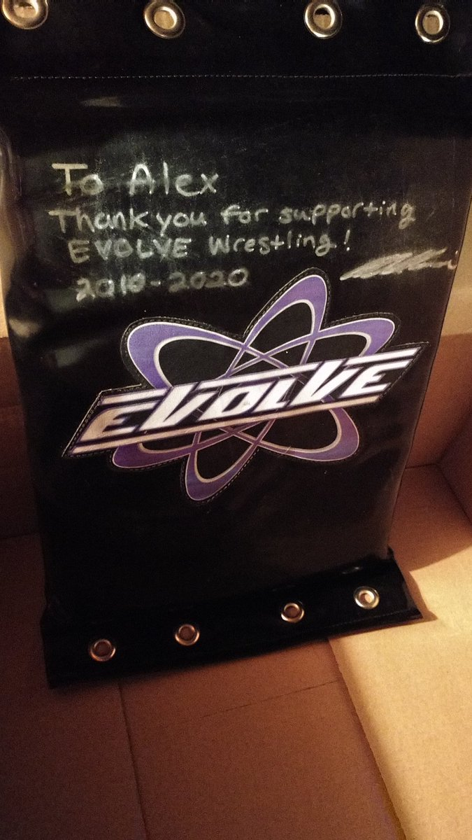 Super Cool Wrestling memorabilia day from The Evolve Promotion. Event used Turnbuckle pad and event used Ring Skirt Autographed too with Cert. Thankful to have an Extremely Talented promotion. It would be cool to get signed by former champs and wrestlers. https://t.co/2fF3RjuPyA