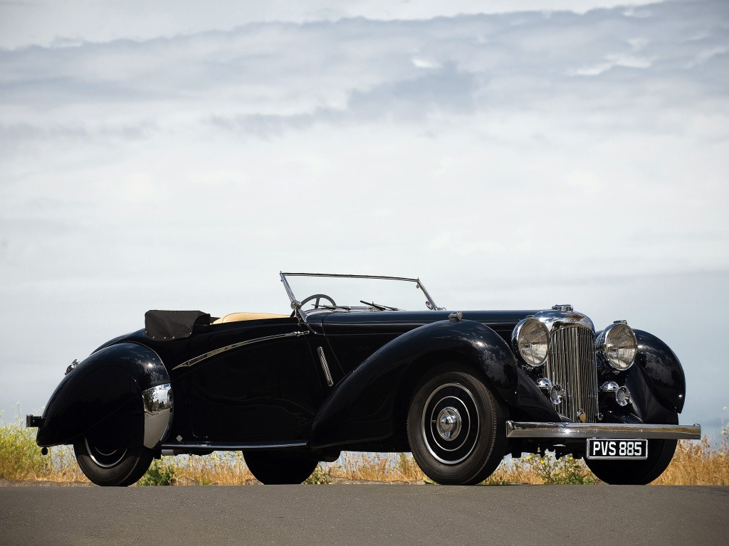"""Oldtimer - classic cars hat 29 neue Fotos zu dem Album """"1939 Lagonda LG6 Rapide Rapide Drophead Coupe"""" hinzugefügt. Wilbur Gunn was born in 1859 and grew up in Springfield, Ohio. He arrived in England in 1891 where me met Mrs. C... Read more: https://www.facebook.com/media/set/?set=a.1292961814204448&type=3…pic.twitter.com/6eFlGiPhAd  by Andrea Gassi"""