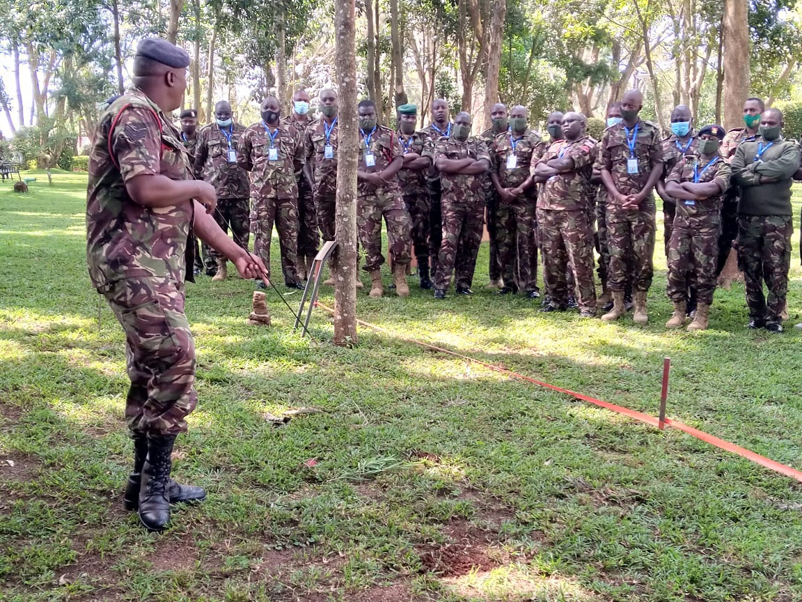 The Explosive Hazard Awareness Course (EHAT), is one of the courses currently underway at the @IPSTCKenya, offered to @kdfinfo. Over 30 soldiers are being trained by trainers that were taught by the BPST(A), passing on invaluable skills, in preparation for deployment. #UKCSSF https://t.co/ABuFt1s1EI