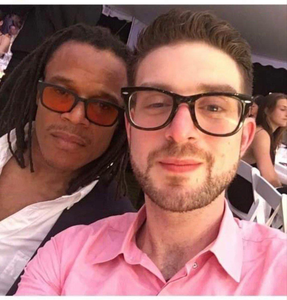 😳😳Kabinet wil dat E Davids (zie foto naast zoon Sorros) het debat doet tegen rasisme. Dus Sorros heeft nu ook de leiding over Nederland betreft dit onderwerp met medewerkers in regering.of denk ik verkeerd? https://t.co/WXB0s31n9B