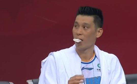 【影片】林書豪再次被打出血!嘴部遭到肘擊流血不止,賽後一番話很無奈!-黑特籃球-NBA新聞影音圖片分享社區