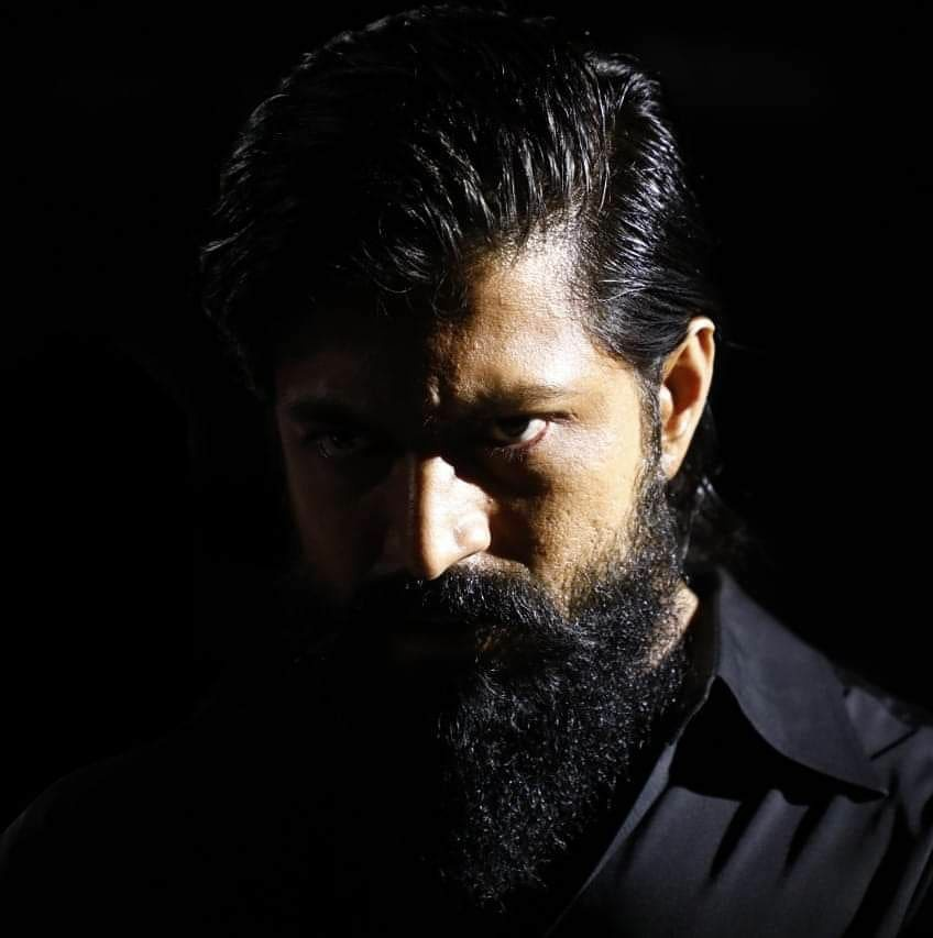 New #Facebook Profile of #Yash. #Kgf #kgfchapter1  #KGF2 #Kgfchapter2pic.twitter.com/7KNPa2gW4T