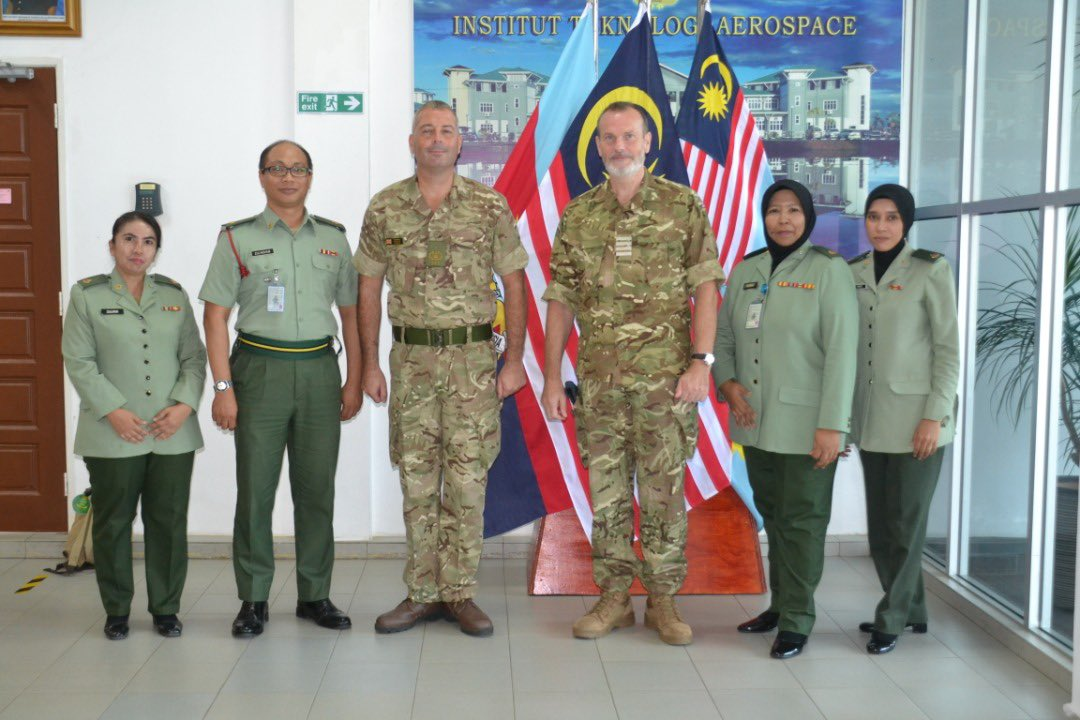 Visiting @DefAcUK 🇬🇧trained English Language Instructor at the 🇲🇾Institute of Aerospace Technology. #DefenceAcademyAlumni #EducationIsGREAT #defencediplomacy https://t.co/Xkhhia8ZiC