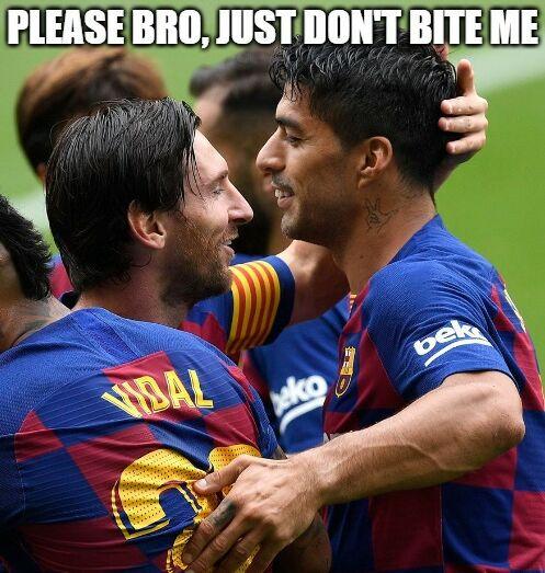 Never trust the #vampire xDDD #suarez #messi #bet365 #unibet #barcelona #memepic.twitter.com/Inmng4hs0M