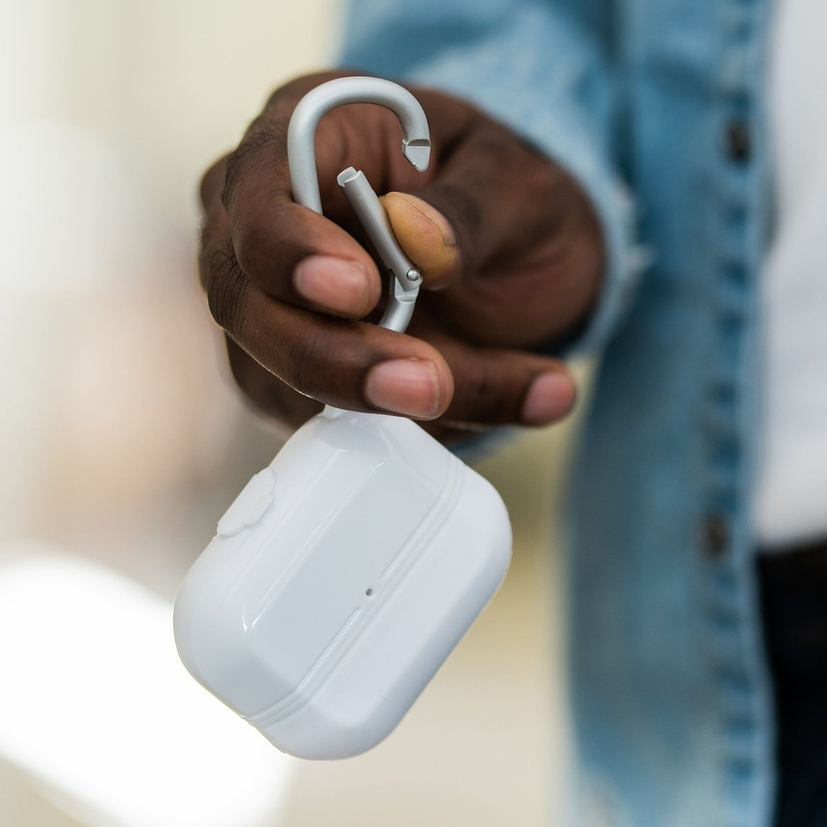 Stop losing those AirPods! Check out our Defense Journey AirPods case 🙌  https://t.co/OqyHUmkmu0 #defensejourney https://t.co/P1sGoSAhFL