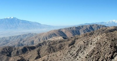 Check out these quiet Joshua Tree NP trails #hiking #optoutside #jtnp  https://tinyurl.com/yakgcvlz pic.twitter.com/pWwI51J3Mb  by Day Hiking Trails