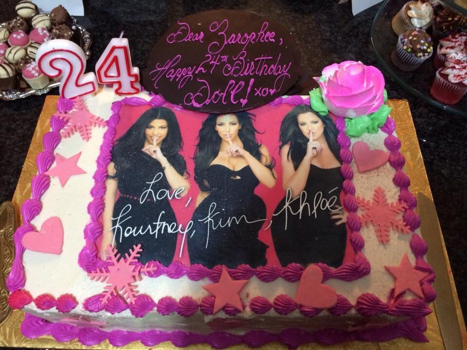 @KimKardashian you're actually my favourite person doll ! Hopefully you remember all of these cakes ! https://t.co/LXbhseNHOX