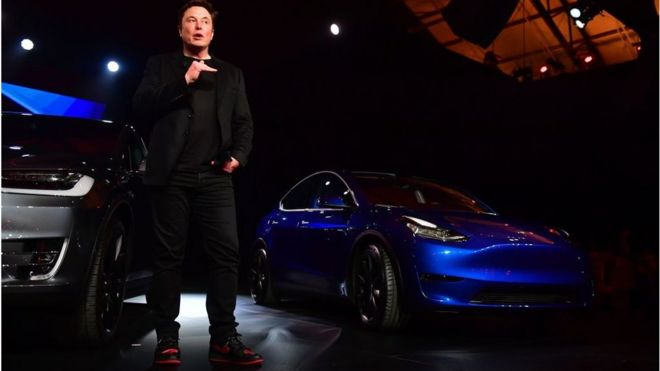 Tesla has become the world's most valuable carmaker, overtaking Japan's Toyota, after its stock hit a record high. https://bit.ly/38jraL2 pic.twitter.com/NdPKbW0QgL