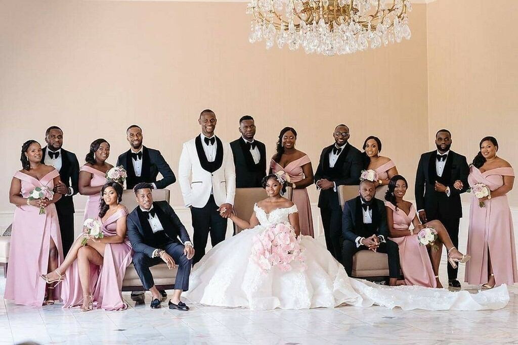 A whole squad!  Photography @tunjistudio Videography @malekfotoweddings Hair @uniqueberryhairs Makeup @shandyy_mua Dresses @estellebridal Suits @henrycoutureparis Bouquets @dacceni_occasions   #BellaNaijaWeddings https://ift.tt/2ImTa3D pic.twitter.com/QitYzhQ5gK
