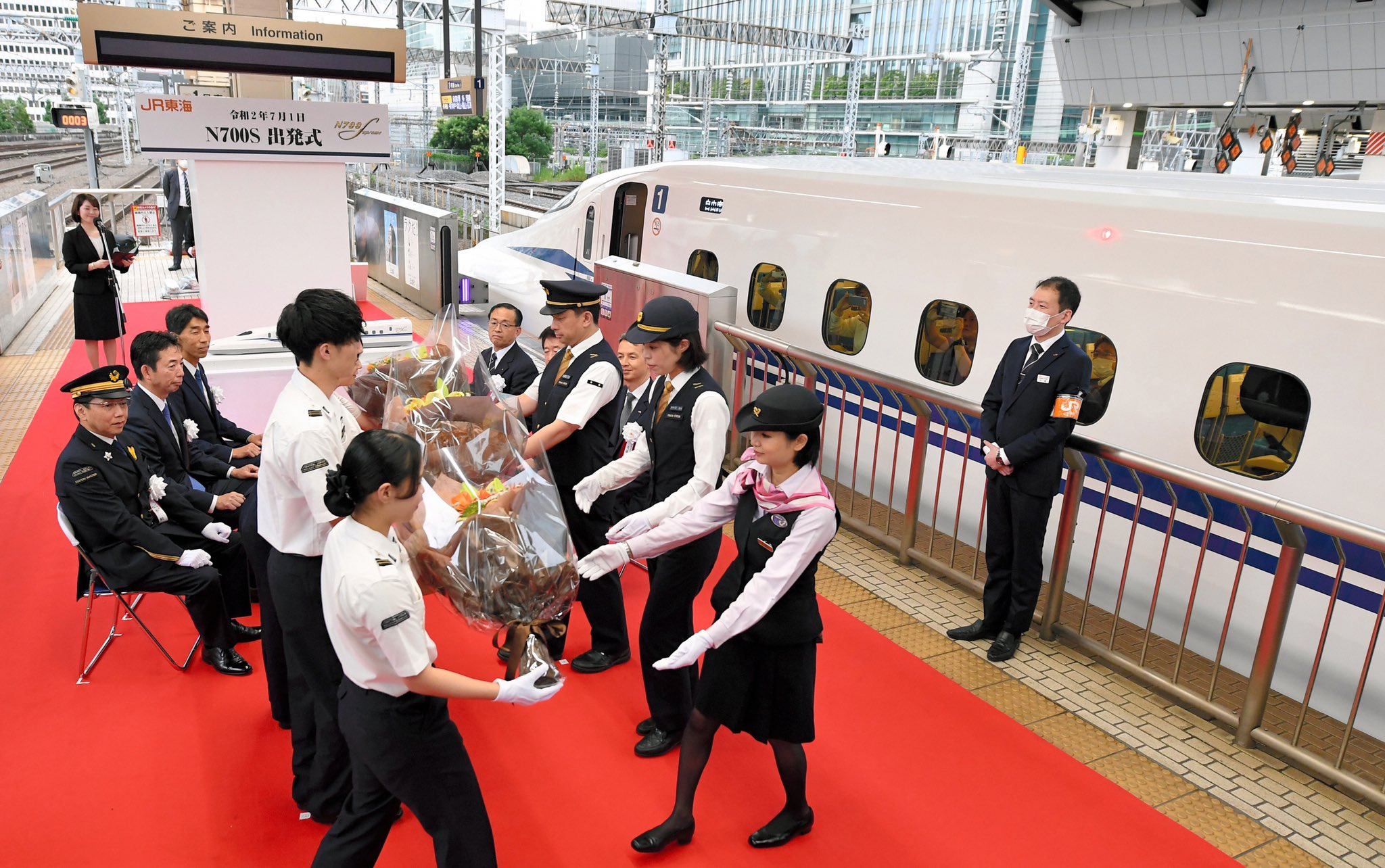 Eb6 1 SVAAEhS0b?format=jpg&name=large - Shinkansen's new N700S begins service!