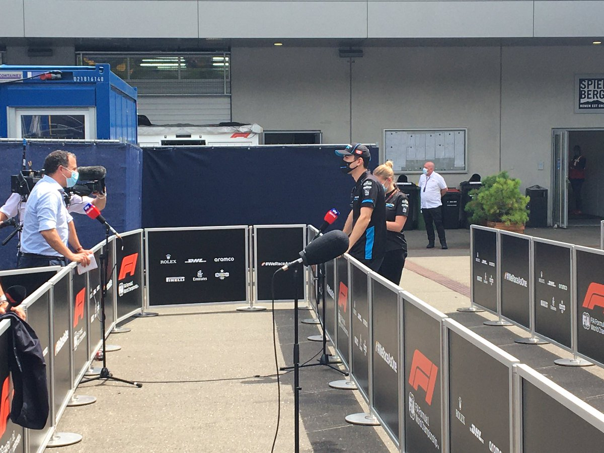 New protocols all round. Face masks are mandatory in the paddock at all times even on camera. Also this is the new style tv pen for post session/press conference interviews.  #AustrianGP  #skyf1 https://t.co/knFK11v0yC