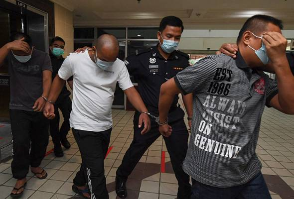 Trio gets life term, whipping for kidnapping woman #AWANInews #EnglishNEWS  https://t.co/2Q5f85iXUU https://t.co/xTYqF5mbyU