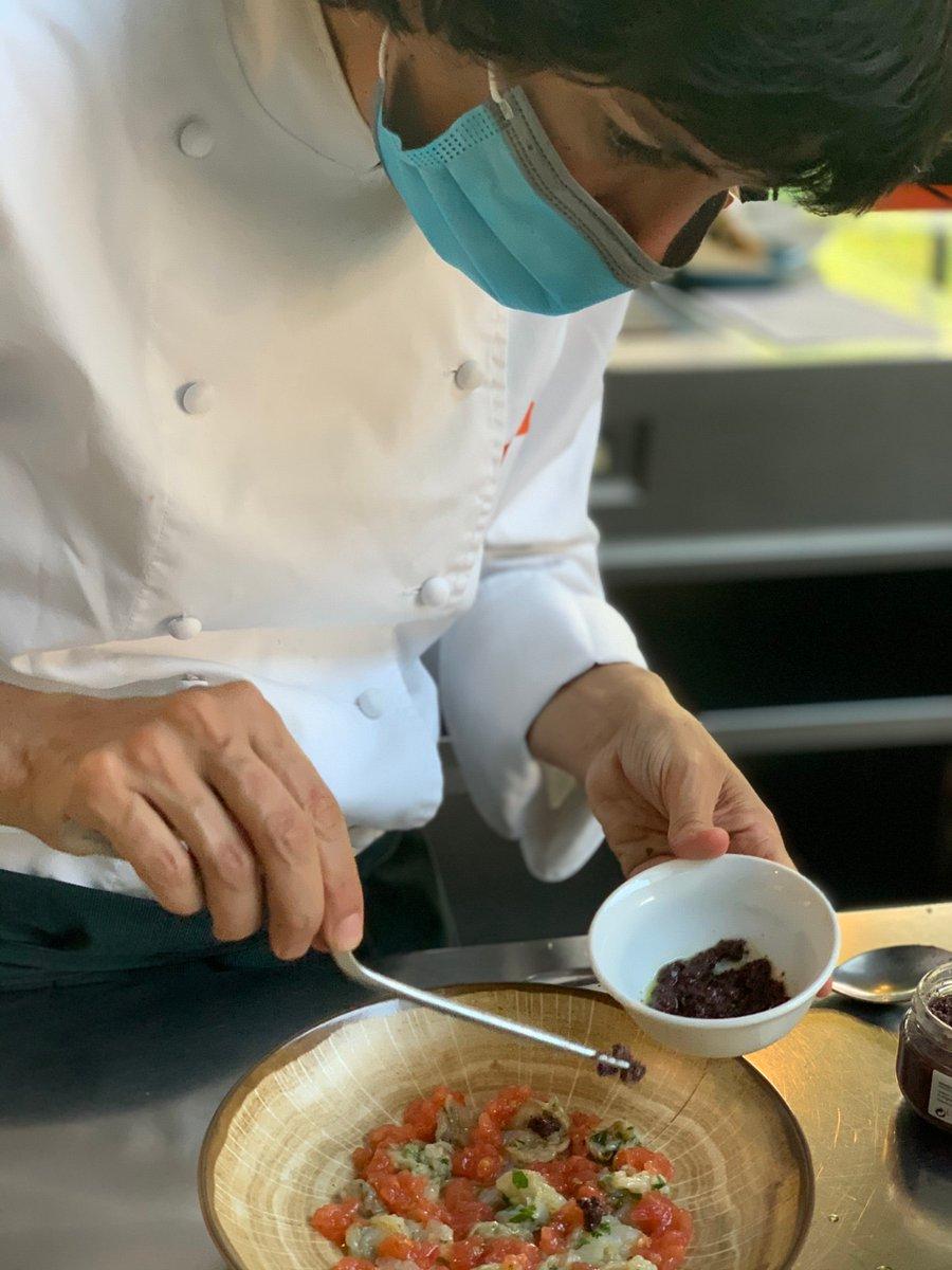 ⚪️ Donant forma i enllestint les darreres receptes amb albergínia blanca per a la nova guia del @consellbages per donar a conèixer aquest producte tan característic i preuat 🔝 https://t.co/ff6wF4DOXe