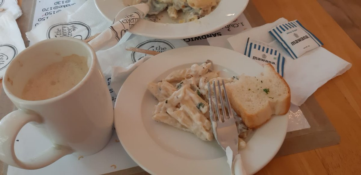 Life is a combination of coffee and pasta. As long as there's pasta and coffee in the world, I'm okay.  #pasta #food #foodporn #italianfood #suddenouting #instafood #pastalover #foodphotography #foodblogger #yummy #lunch #delicious #foodlover #foodstagram #cherrytreecafe