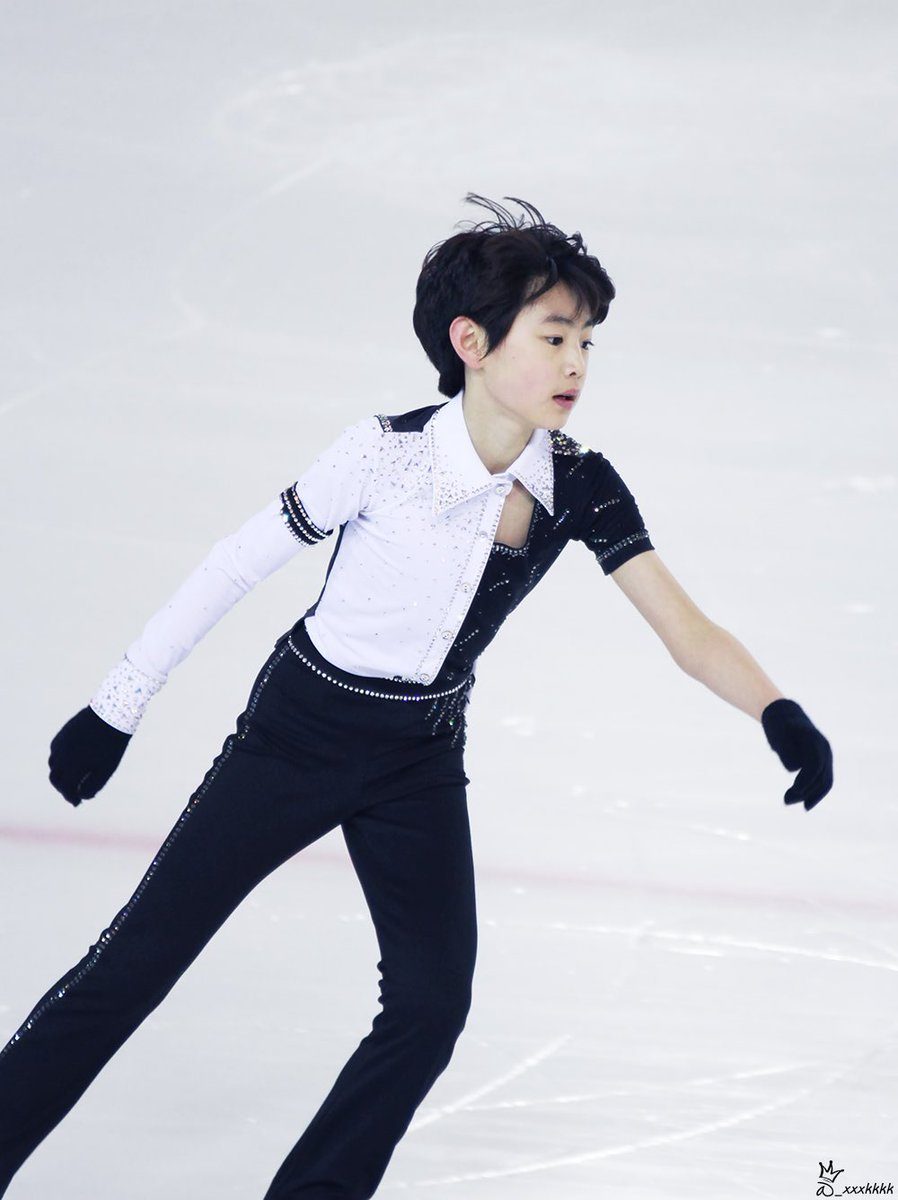 sunghoon's figure skating outfits are just as elegant as him.  <br>http://pic.twitter.com/sbKJZKmCzy