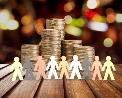De Nederlandse markt voor crowdfundingleningen komt in de eerste helft van 2020 niet verder dan 104 miljoen euro, 37 procent minder dan in dezelfde periode vorig jaar. Dit blijkt uit cijfers van @crowdfundmarkt, een brancheorganisatie voor #crowdfunding.  https://t.co/W8VMdocuEG https://t.co/JhNZLSagGp