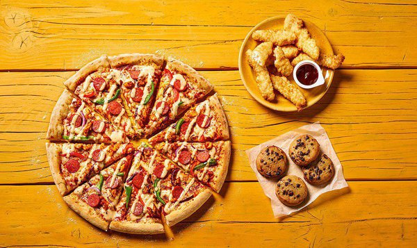 Check out these student deals @unidays  35% Student Discount online at Domino's   #dominos #food #pizza #delivery #treat #parties #nightin #pizzaparty #discount #online #studentlife #unilife #mansionstudent #studentdeals #promotion  https://t.co/mIs53AbIxY https://t.co/skDyPCs2h4