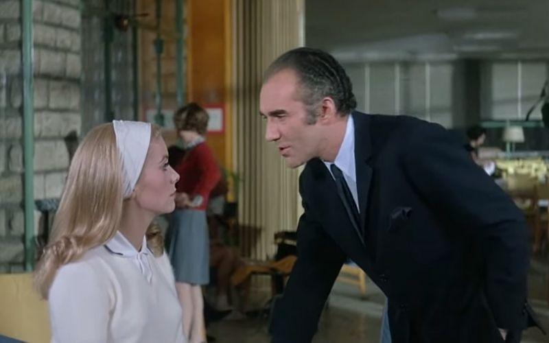 Heute im Filmmuseum: ENDLICH WIEDER KINO!  20:00: BELLE DE JOUR, 1967, Luis Buñuel, 35mm, OmdU https://bit.ly/38kTFId Der Auftakt unseres Sommerkinos mit einem Film aus unserer letzten Retrospektive vor dem Lockdown: BBB - Bardem, Berlanga, Buñuel! @EmbEspAustria #filmmuseumpic.twitter.com/aKhEOYc8zh  by Austrian Film Museum