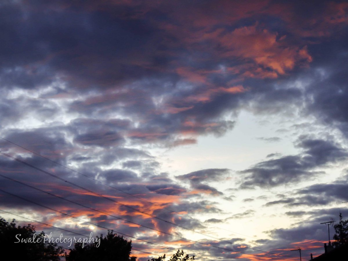 The sky at night!! Well last night sunset #sunset #Aylesbury