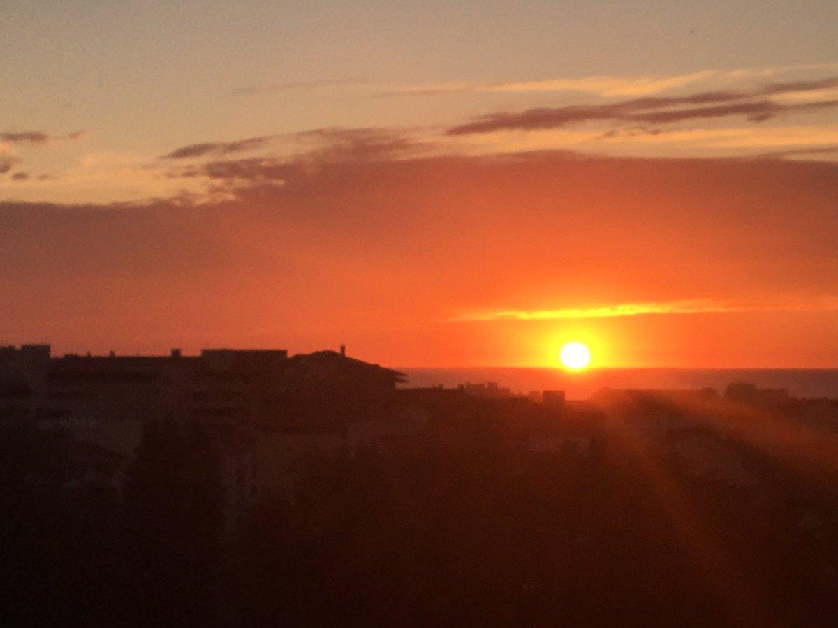 #sunset #biarritz comme un rendez vous 4 fois par an #paysbasque #cotebasque