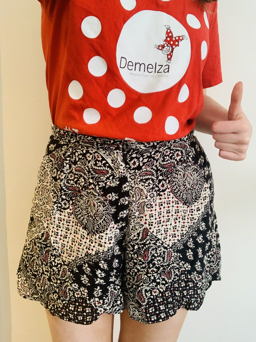 Today's @DemelzaHospice's first ever #Shorts4ShortLives Day, so I'm donning the only pair of shorts I own and donating to support our families. For them the idea that life's too short is more real than for most.   You can donate and get involved here 🩳👉https://t.co/1Lj6BlrRMR https://t.co/1LydbeErq3
