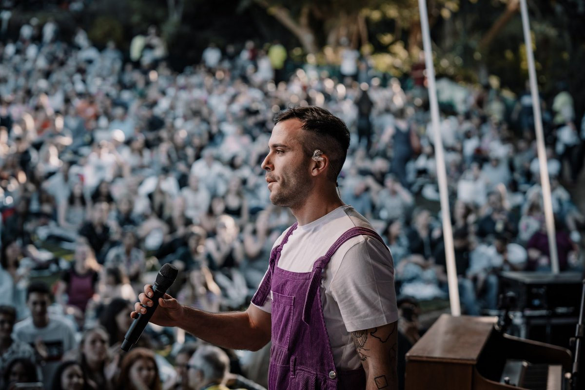NEXT TO YOU live at Kirstenbosch is out now on your fav music streaming app 💜 matthewmole.lnk.to/MatthewMole