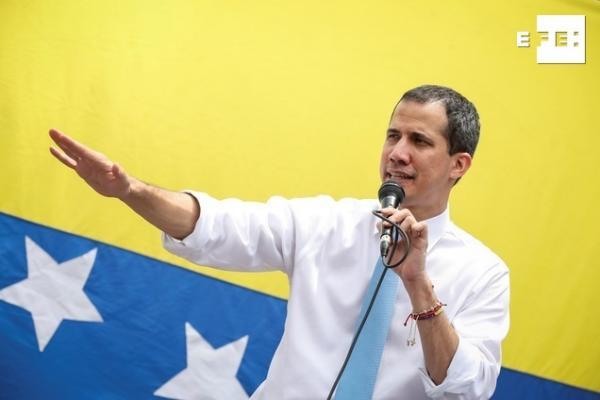 """La Administración """"ad hoc"""" del líder opositor venezolano Juan Guaidó y no la del presidente Nicolás Maduro puede acceder legalmente a las reservas de oro de Venezuela depositadas en el Banco de Inglaterra. https://t.co/eILd1KQsYD https://t.co/9pIeGxorsZ"""