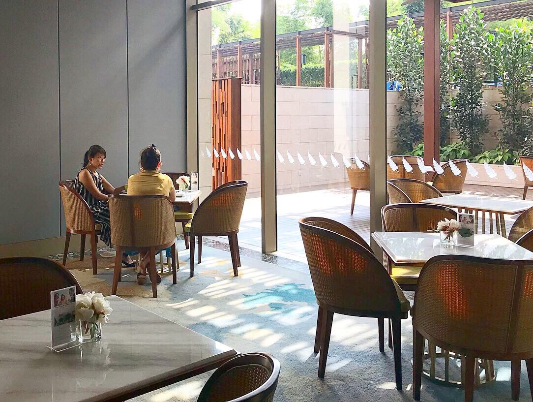 """We are ready to serve you! With following every health-protocol of the new normal, let's have the most comfortable and safe dining experience with @aprezcafe_pakubuwono at the Ground Floor of Cherrywood tower 🙏🏻✨ . . . """"Life is Beautiful, Own It!"""" https://t.co/IUELVlxn0x https://t.co/6O3z1mRQen"""