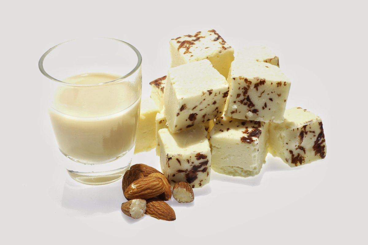 Our Baileys FabFudge is soooo good, you're gonna need to hide it from yourself. #DairyFree #Treatwise  https://t.co/uRMfSUjlvf #Elevenseshour #Vegan #plasticfreejuly https://t.co/zyLXgYEihr