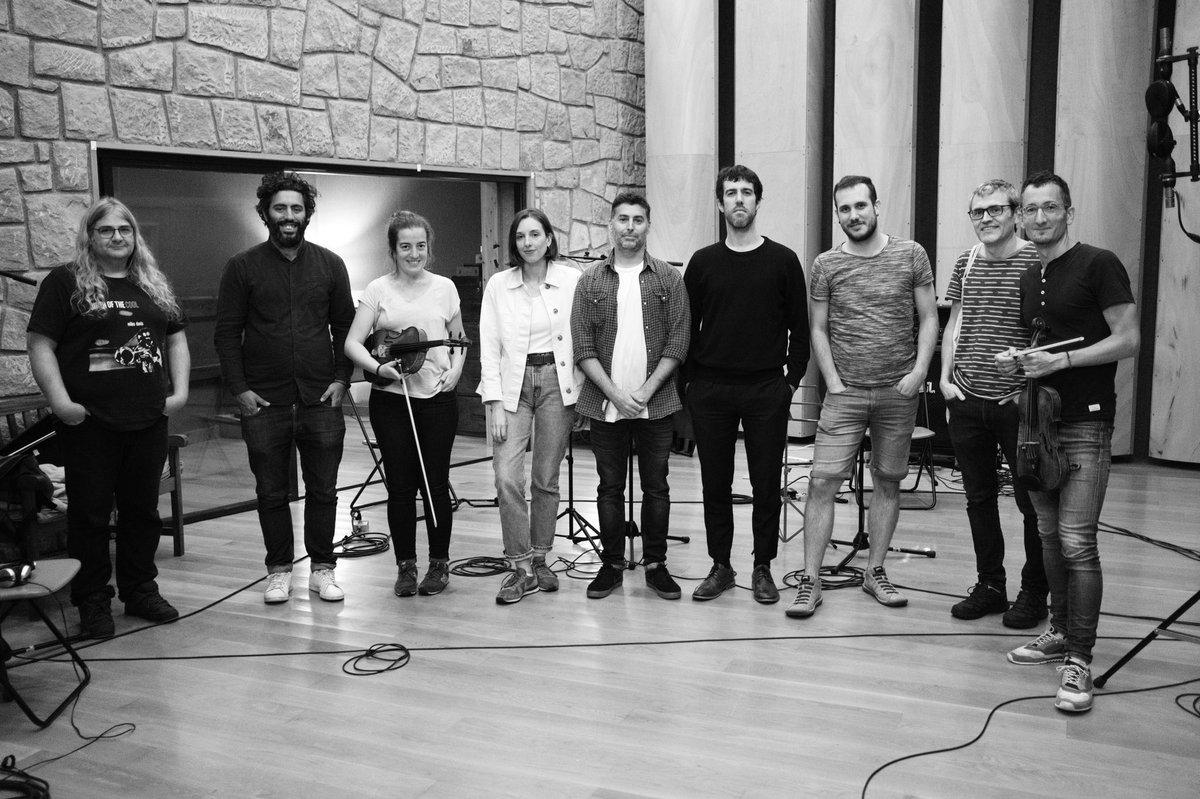 Iker Elorrietaren film luze berrirako konposatu dudan musika original berriaren hariak grabatzen tio pete estudioetan. https://t.co/nRYhEsd2ow
