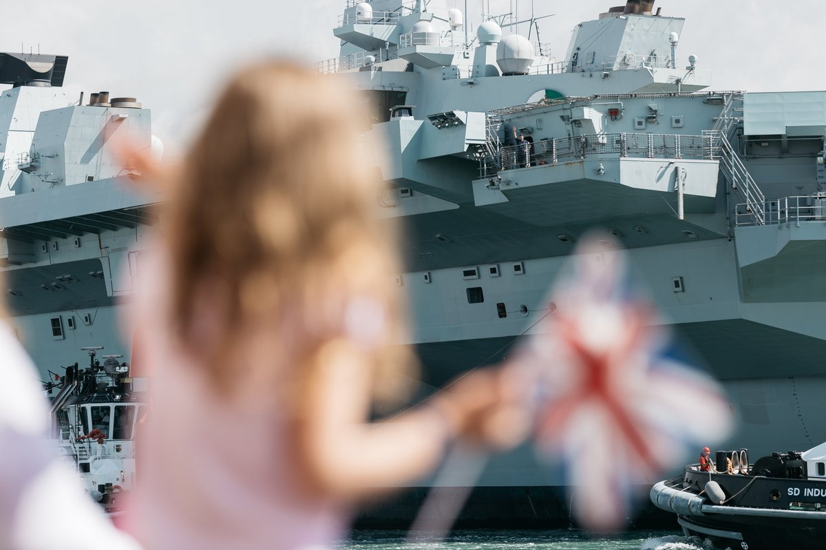 The giant carrier was welcomed home this morning after ten demanding weeks around the UK, preparing for her maiden deployment in the new year.  Find out more: https://t.co/1fcFfY9wS0 https://t.co/gR91MQgIF6