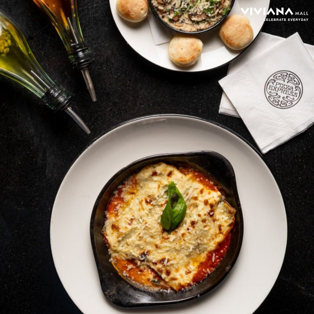 The Perfect Meal 😍  An ideal meal for us is the one where we're all eating together 🥺 How about you? Comment below to tell @PizzaExpressIN  about your ideal meal! #PizzaExpress #VivianaCares #VivianaMall https://t.co/FathUo7XhK