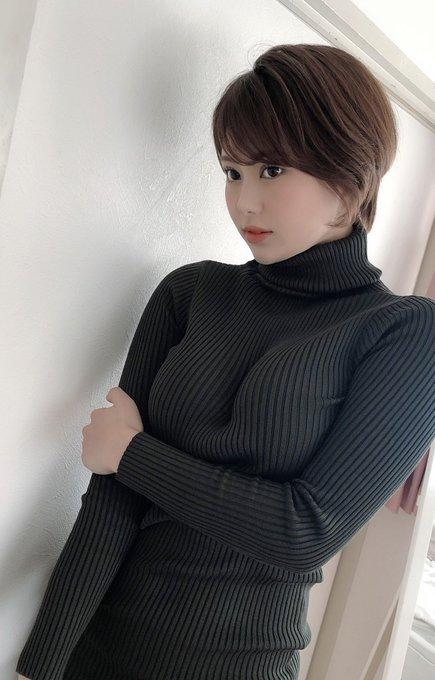グラビアアイドル山本ゆうのTwitter自撮りエロ画像5
