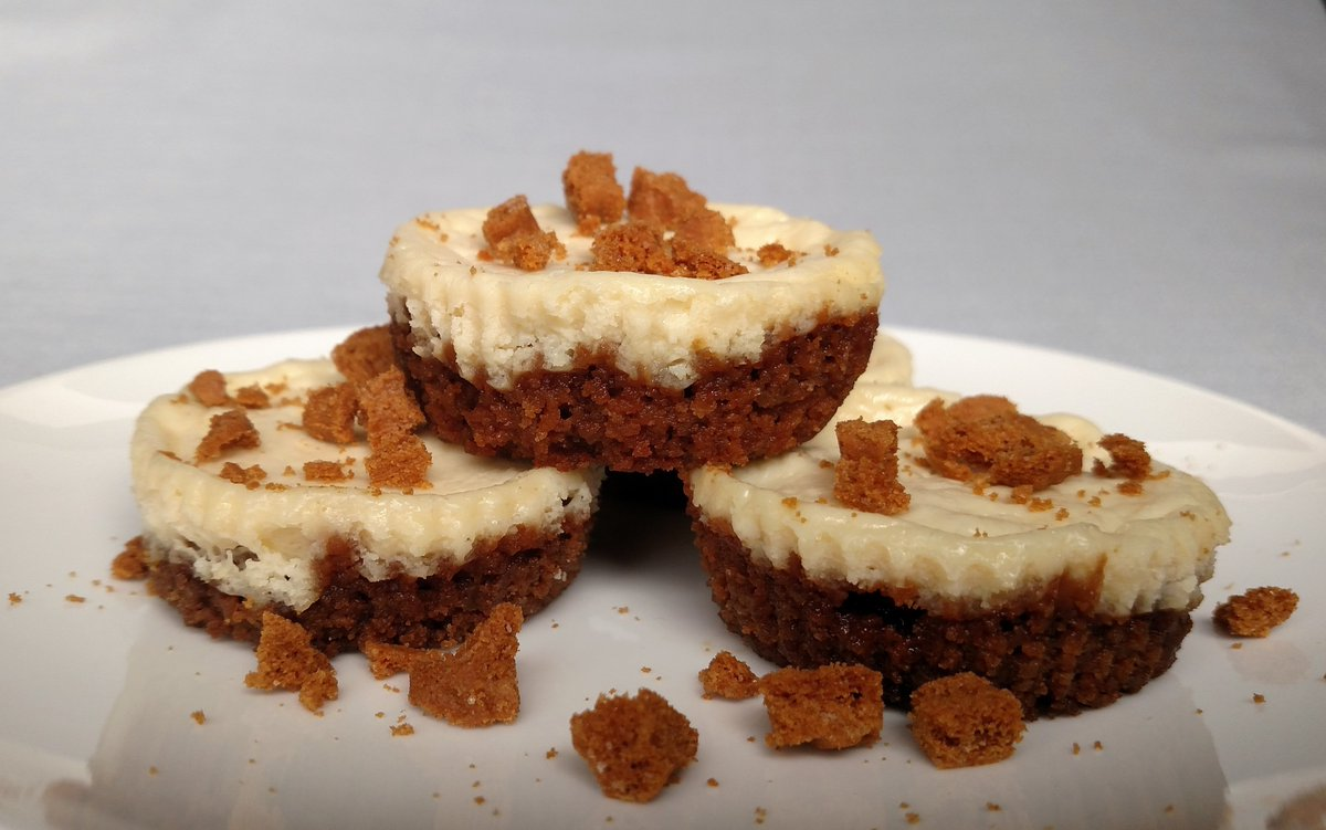 Mini Biscoff Cheesecakes RECIPE: https://t.co/ohqDA4cBTP #cheesecake #dessert #foodies #recipe #homecooking #flavorfuleats #eeeeeats #instayum #delish #recipes #foodie #yummy #sweets #sweettooth #baking #foodpics #foodporn @BiscoffCookies #biscoff #tasty #Food https://t.co/a2yyFPUbND