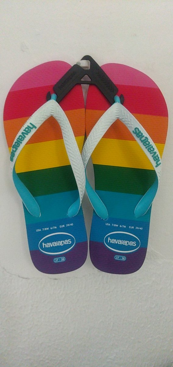 Uma das encomendas chegou 😍 amei minhas #HavaianasPride #Havaianas #Pride https://t.co/cfeTx81KC7 https://t.co/J9OqC8SeJZ