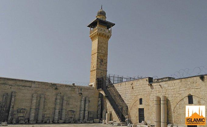 Masjid al-Aqsa contains 4 minarets. Names, locations & year built:  1. Moroccan Gate minaret  (southern wall - 1278 CE)  2. Gate of the Chain minaret (western wall - 1329 CE)  3. Bani Ghanim Gate minaret (west-northern corner 1278 CE)  4. Salahya minaret (northern wall - 1599 CE) <br>http://pic.twitter.com/IGf0stX32A
