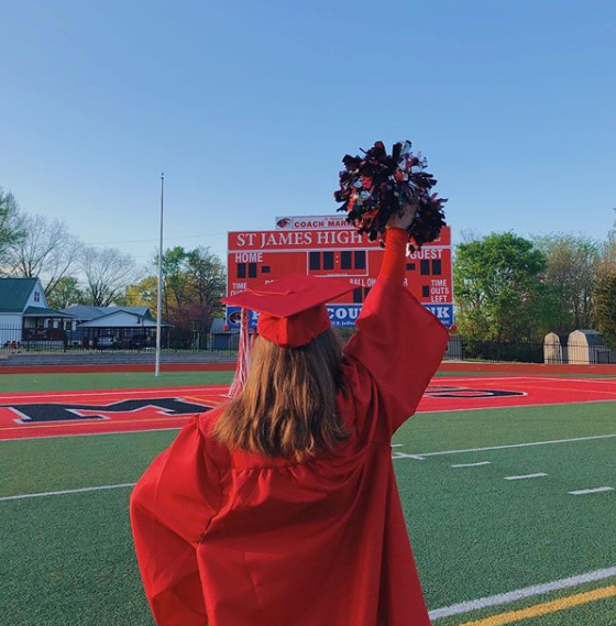 """""""Yesterday I graduated from my American highschool, I'm still sad I wasn't able to be there but I'm also thankful for this opportunity. #classof2020 I'm proud of you ❤️🐯🎓""""   - Tessa #AyusaClassof2020 https://t.co/6uQu9LVBLY"""