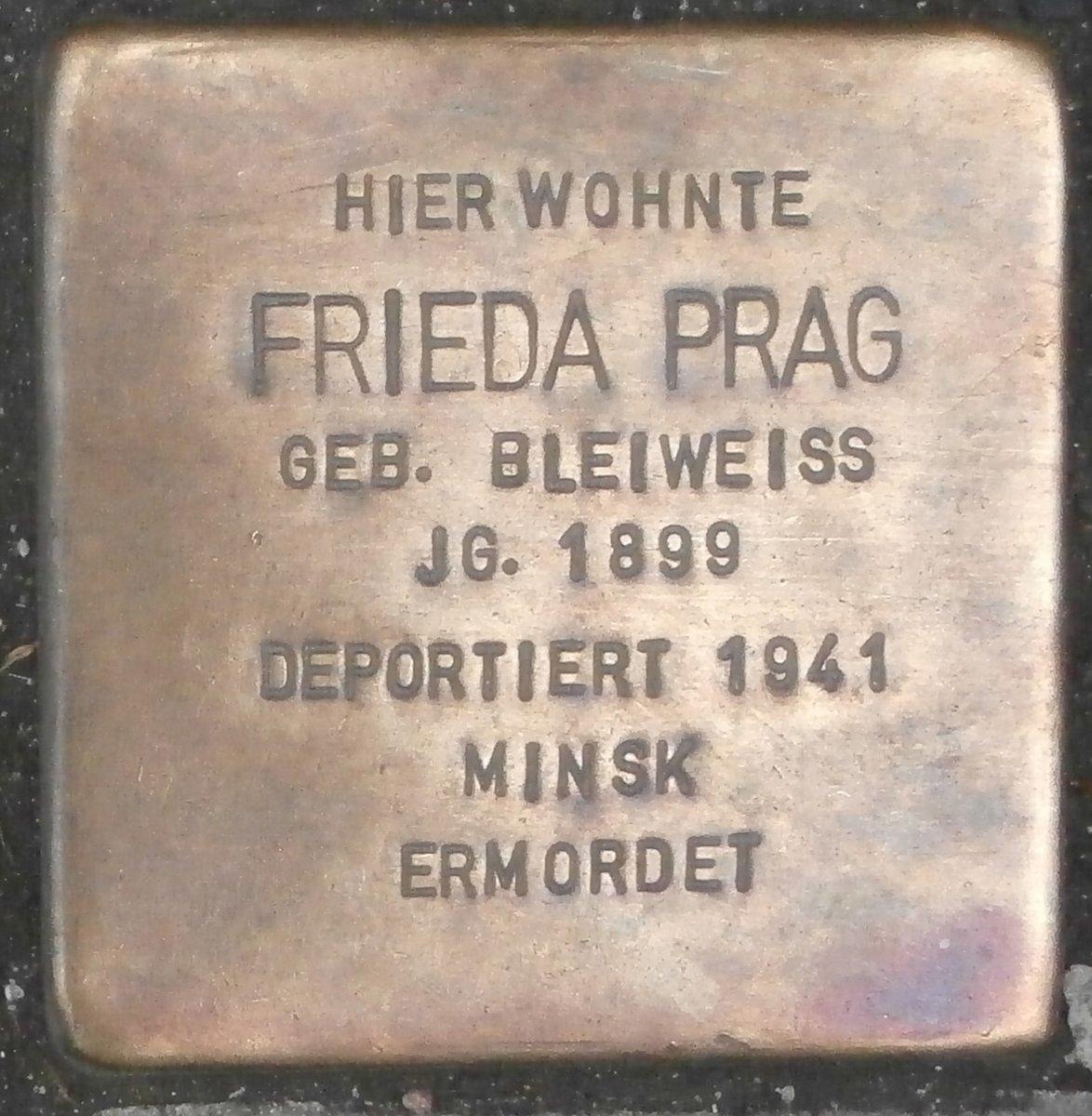 Frieda Prag geb. Bleiweiss wurde am 9.7.1899 in #Neumünster geboren. Vor dem II. Weltkrieg lebte sie in Hamburg (Wexstraße). Am 8.11.1941 wurde sie nach Minsk, Weißrussland (UdSSR) deportiert und dort ermordet. In Hamburg ist ein Stolperstein verlegt, in Neumünster bisher nicht. pic.twitter.com/rPRVsXyeX3  by -