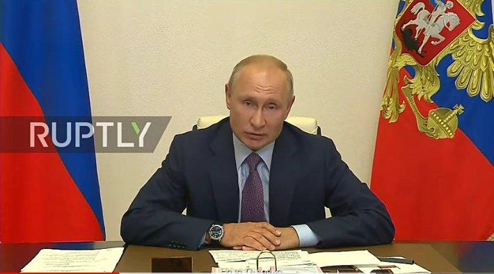 Putin thanks citizens to support him. #Kremlin #moscow https://youtu.be/VEXVckGEeH4pic.twitter.com/drdgxub3UM