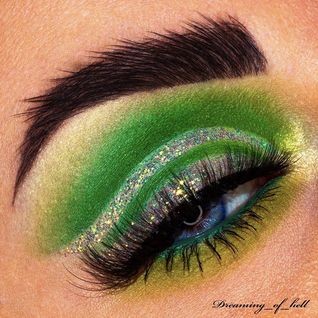 "• Green Eden • . Lenses: _ @ttdeye_colors - Real Acqua - ""dreaming"" 10% save  #sharemevals #testandtell #mualinksearch #circleofmuas #sigmabeauty #morphebrushes  #anastasiabeverlyhills #flawlesssdolls #jeffreestarcosmetics #bluemakeup #slave2beauty #blazin_beauties #muapic.twitter.com/iulJPrtItS"