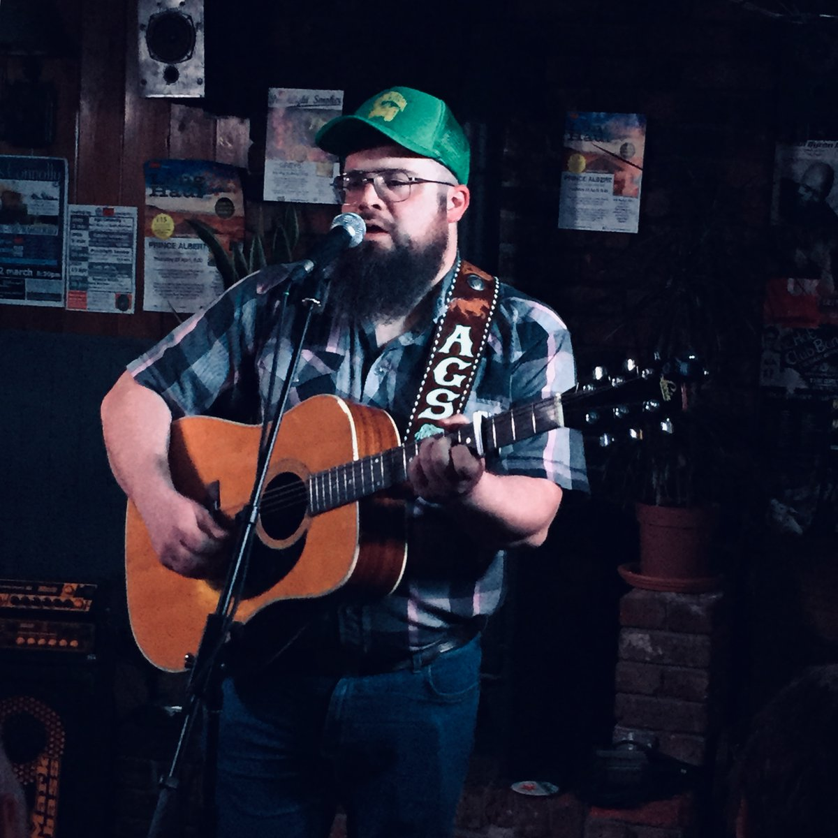 Our last gig pre-lockdown was with the fine country singer @ConnollyAgs. Today artists, promoters, agents, venues & fans are asking the UK government to protect the live music industry. Share photos of the last show you went to & use #LetTheMusicPlay to show your support!