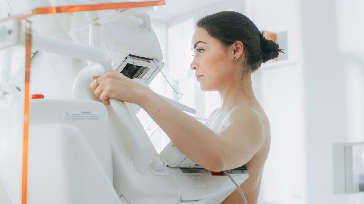 Due for a mammogram? Your results may include a breast density report – learn more to help you understand how it can affect your risk for cancer: cdc.gov/cancer/breast/… #bcsm