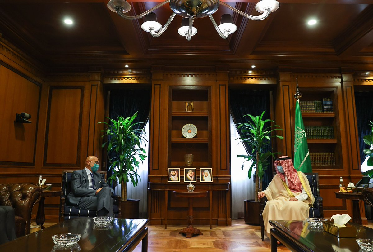 #Riyadh | MoS @AdelAljubeir met with the newly appointed Amb. of #Italy to the Kingdom, Roberto Cantone. The two discussed bilateral relations between the two countries and ways to enhance them, as well as discussing a number of issues of common concern. pic.twitter.com/bYvWAIzw4k