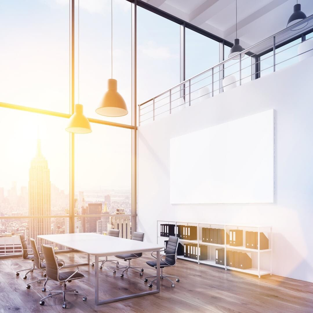 A glass board with a view. We love this contemporary, light and airy meeting space.  #meetingspace #officeinteriors #officedesign #glassboard #writingboard #officestyle #productivitypic.twitter.com/aklY2jd9Mt