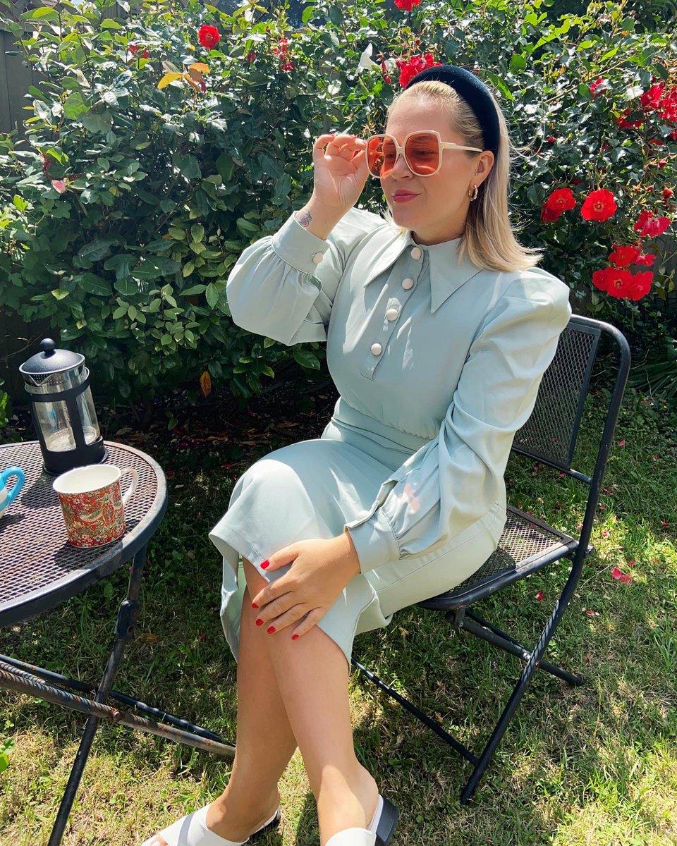 Your fav teacher enjoying her lunch break. https://t.co/HYWU4aLWlK
